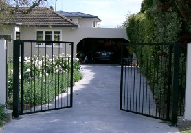 Powder coated mild steel manual opening gate 1