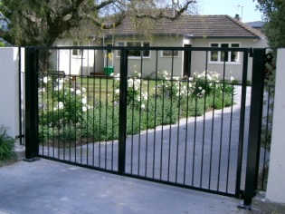 Powder coated mild steel manual opening gate