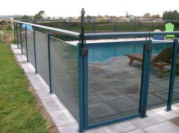 Powder coated stainless steel stanchions with tinted glass and top rail 2